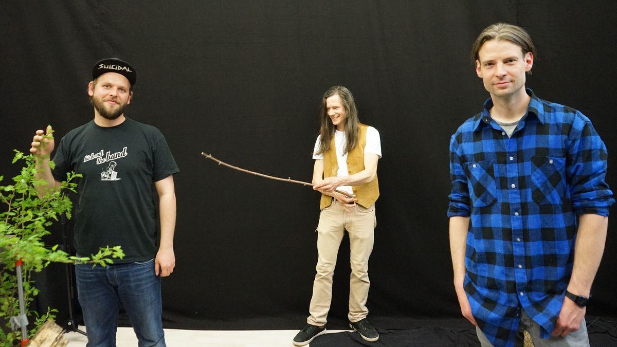 Das Team des Lucky Panda-Studios zusammen mit Musiker Donny Vox (Mitte).