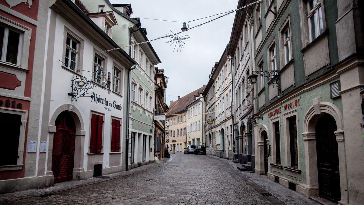 Die menschenleere Sandstraße in Bamberg