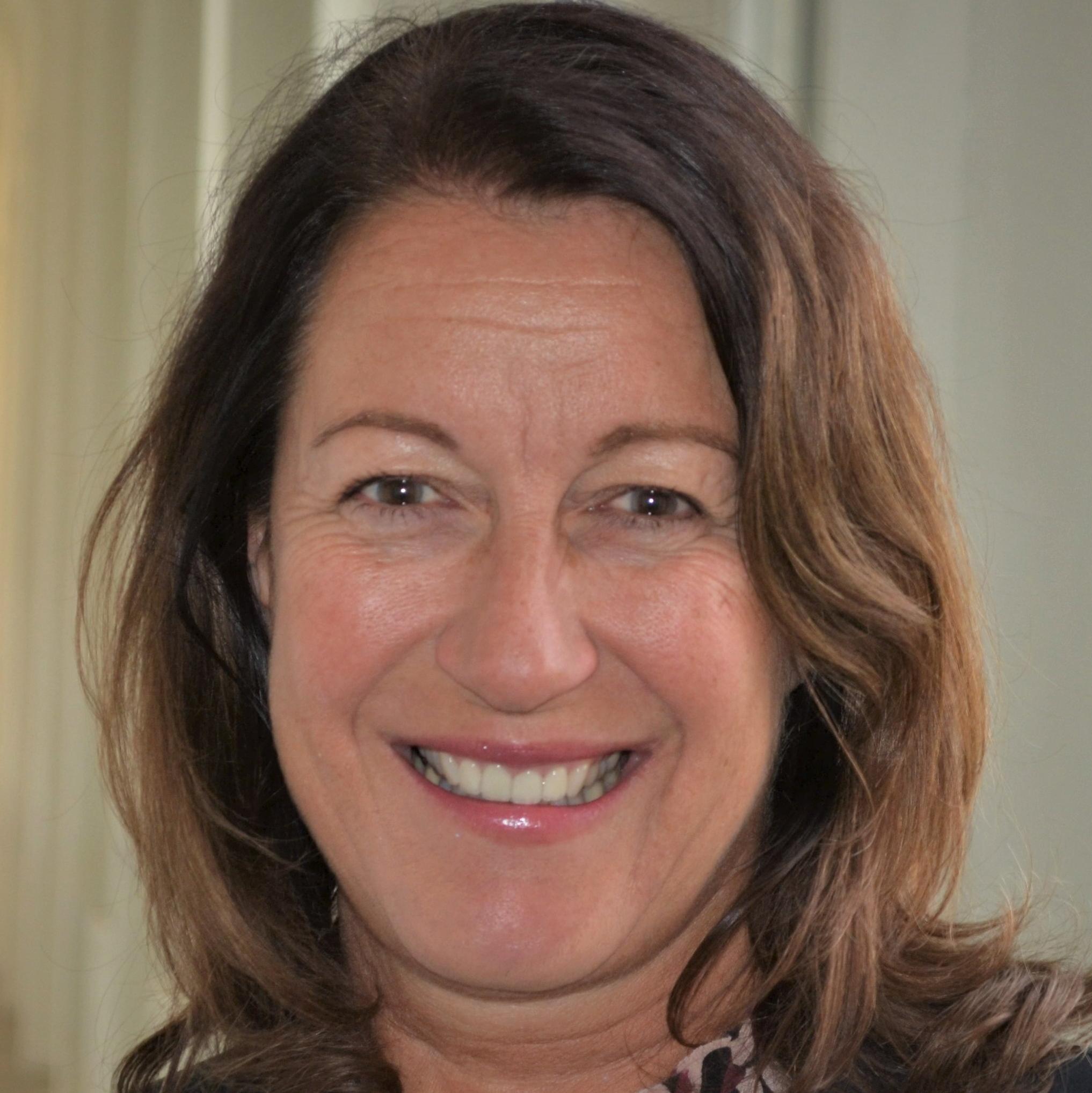 Andrea Roth