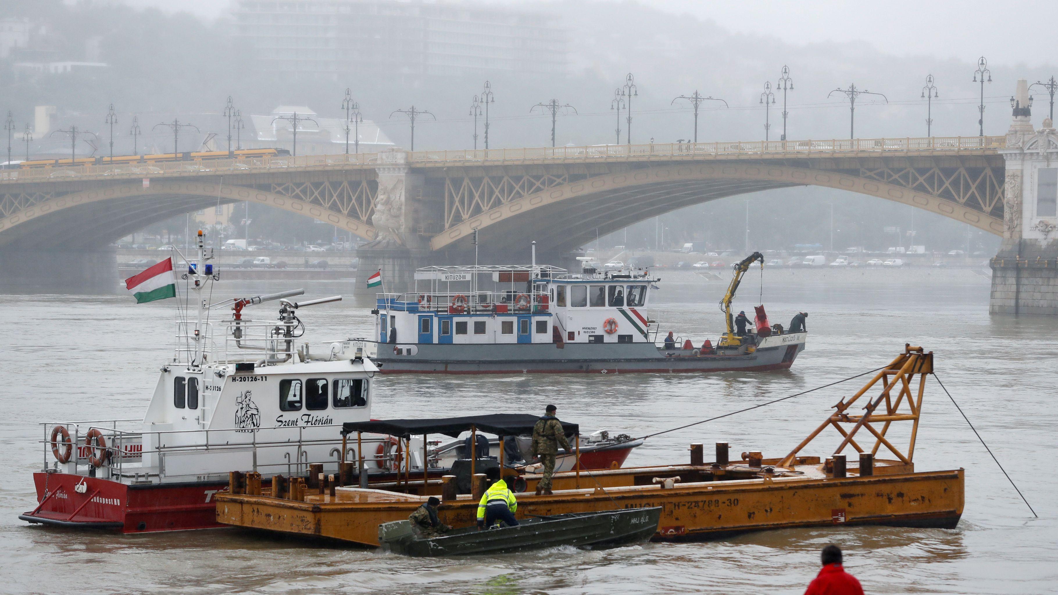 Budapest: Suche nach den Vermissten des Schiffsunglücks
