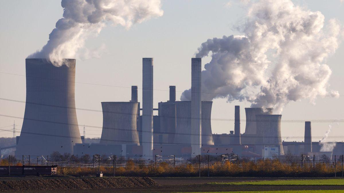 Das Kraftwerk Niederaußem von RWE.