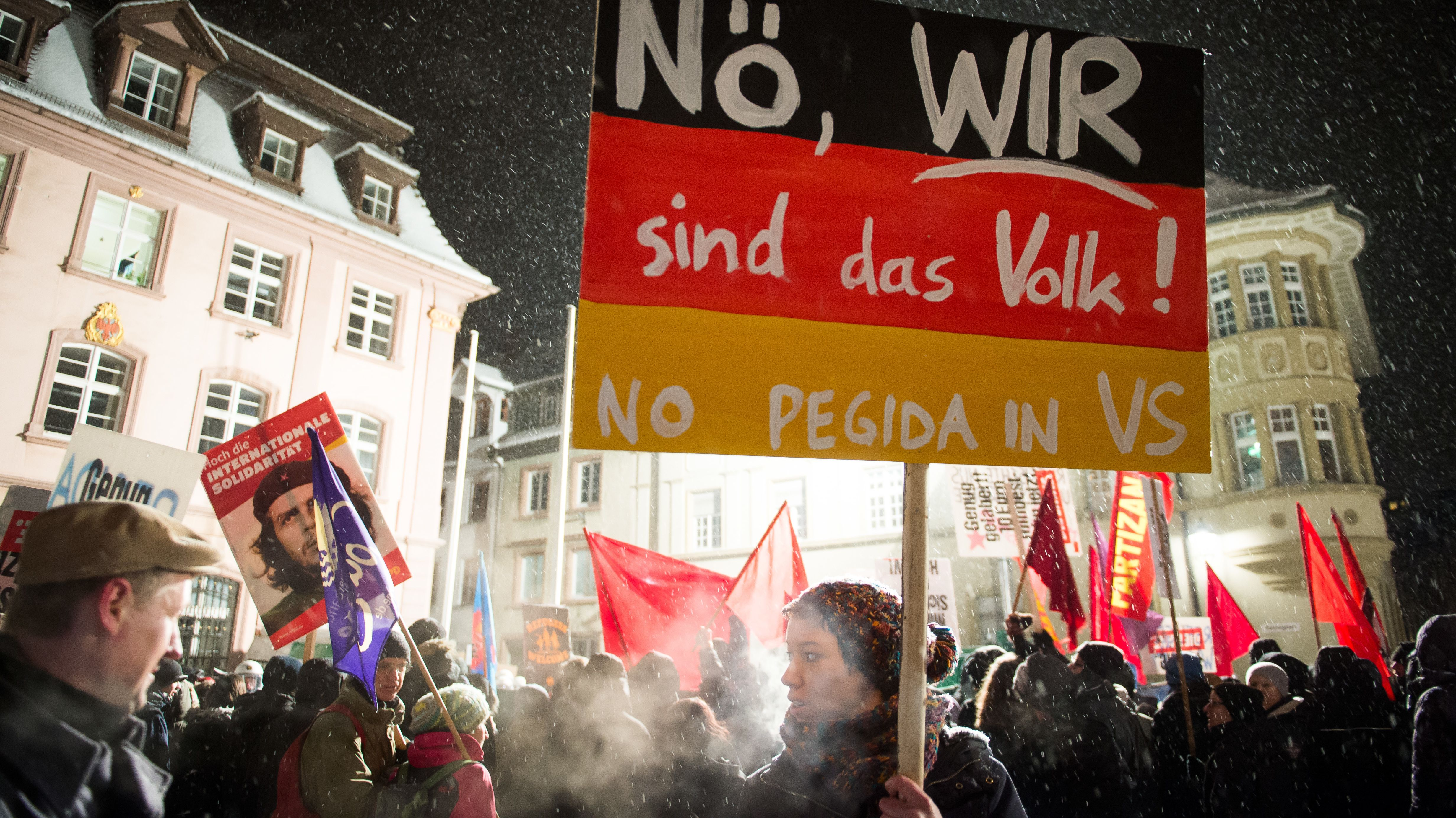 Protest gegen eine Pegida-Demo am 26.1.2015 in Villingen-Schwenningen (Baden-Württemberg)