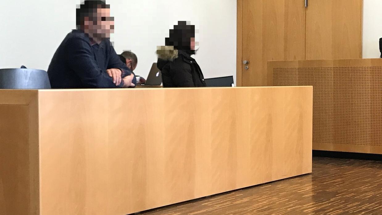 Die beiden angeklagten Vorstandsmitglieder im Gerichtssaal