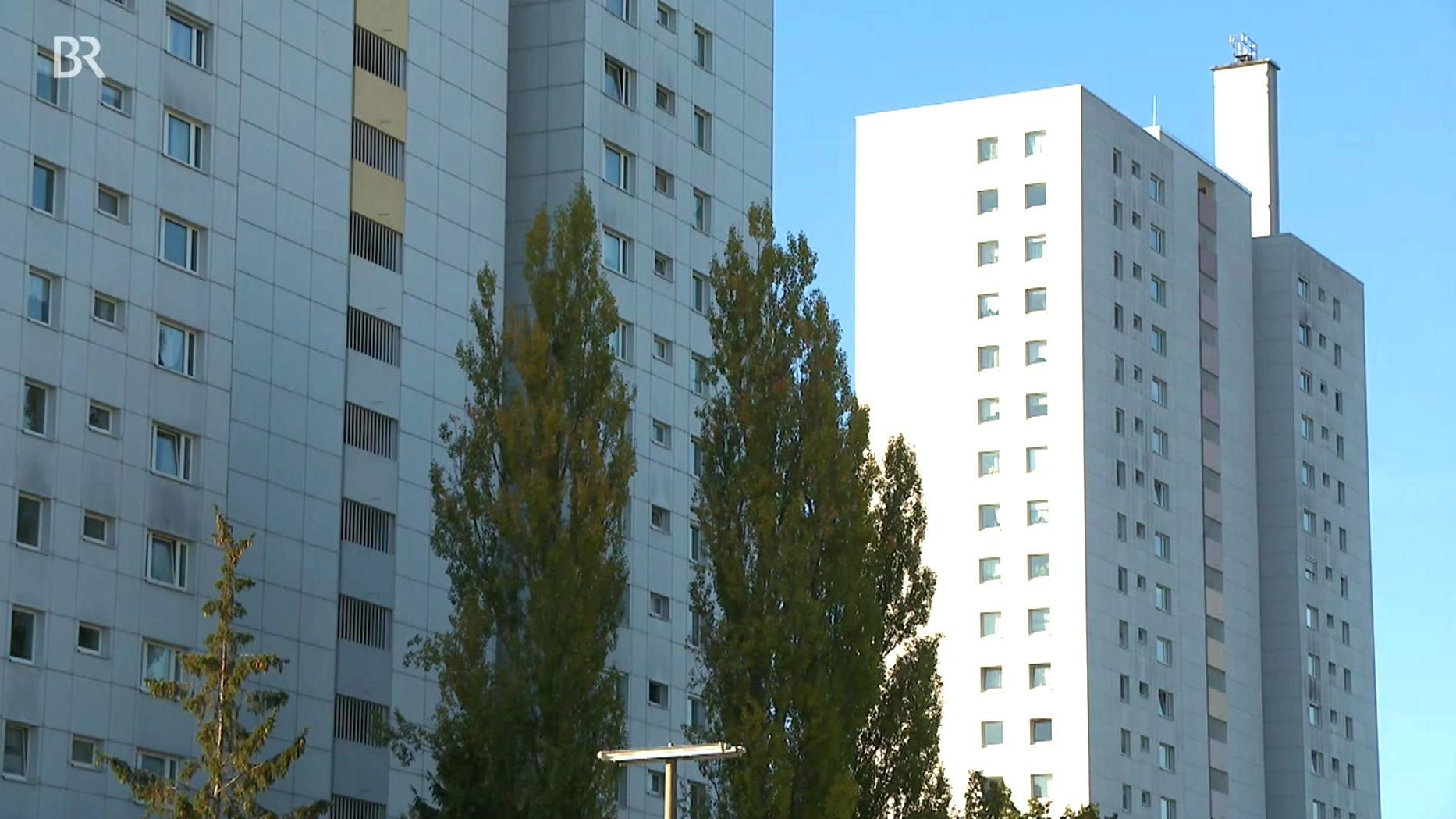 Zwei Hochhäuser in Nürnberg