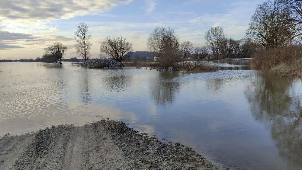 Hochwasser an der Donau im Landkreis Straubing-Bogen