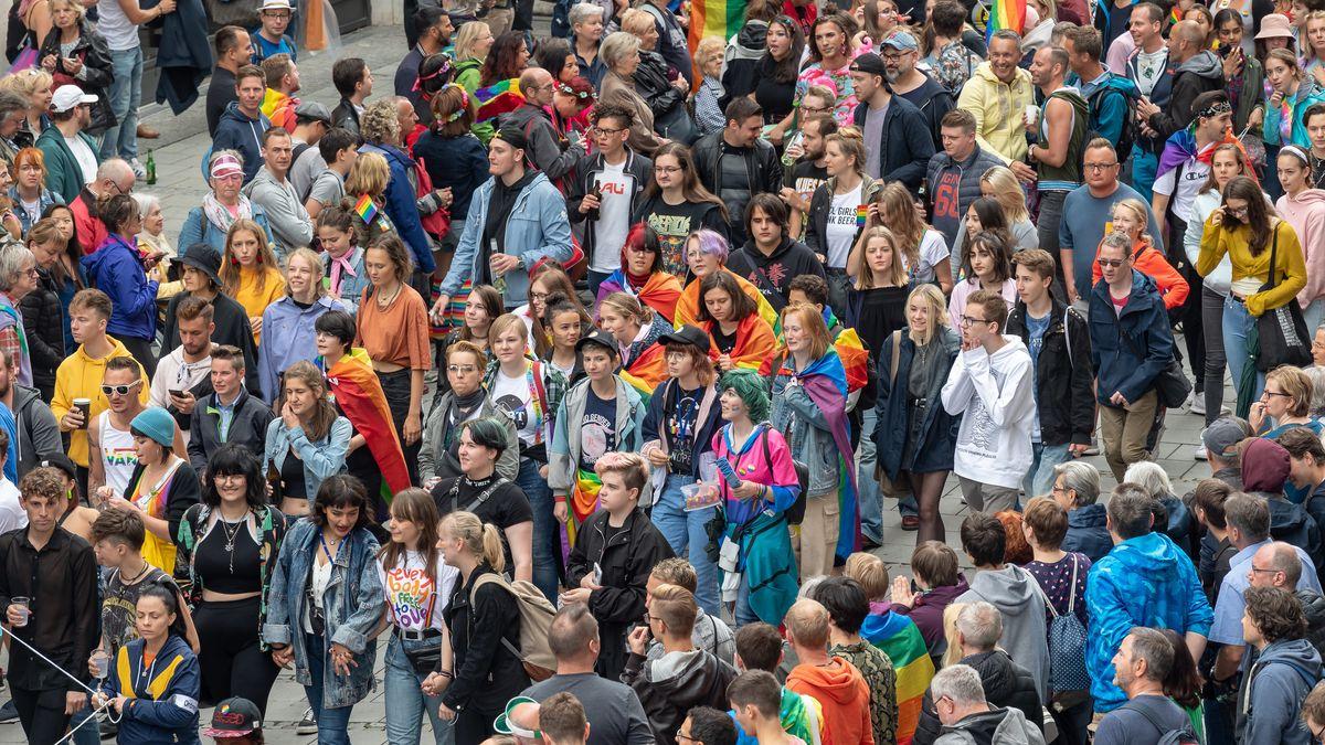 Über 150.000 Menschen feiern den CSD in München