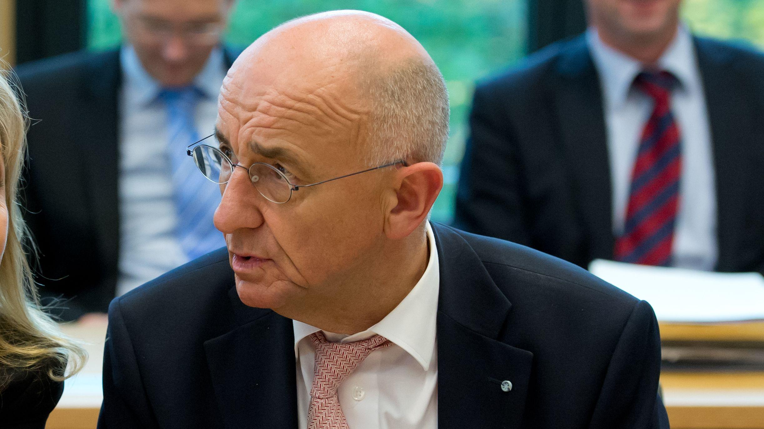 Der CSU-Landtagsabgeordnete und frühere bayerische Justizminister Alfred Sauter, aufgenommen im Oktober 2013.