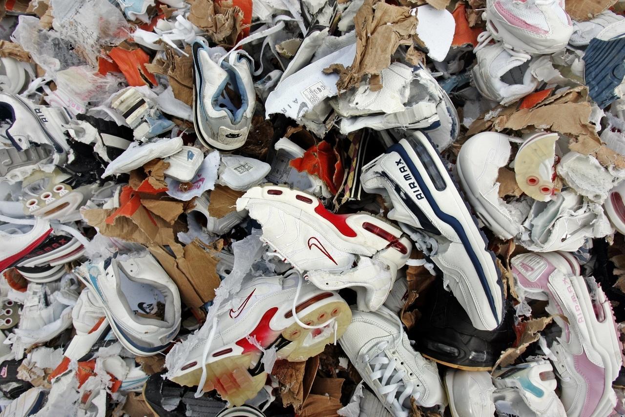 Gefälschte Sportschuhe: Es läuft noch immer Import von