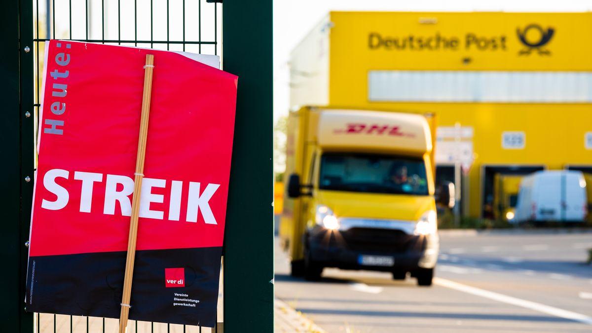 Symbolbild: Warnstreik bei der Deutschen Post.