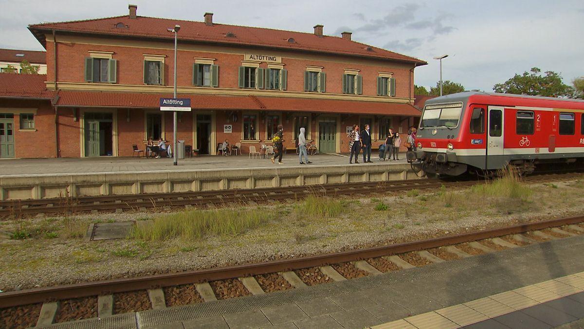 """Altötting ist """"Bahnhof des Jahres"""""""