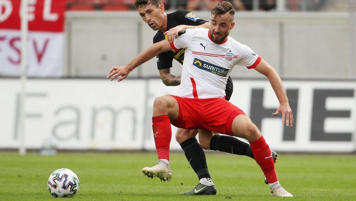 Zweikampf in der Partie Zwickau gegen den TSV 1860 München