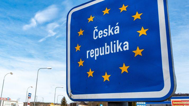 Ein Schild an der tschechischen Grenze.