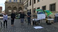 Klima-Aktivisten vor Augsburger Rathaus | Bild:BR / Tom Pösl