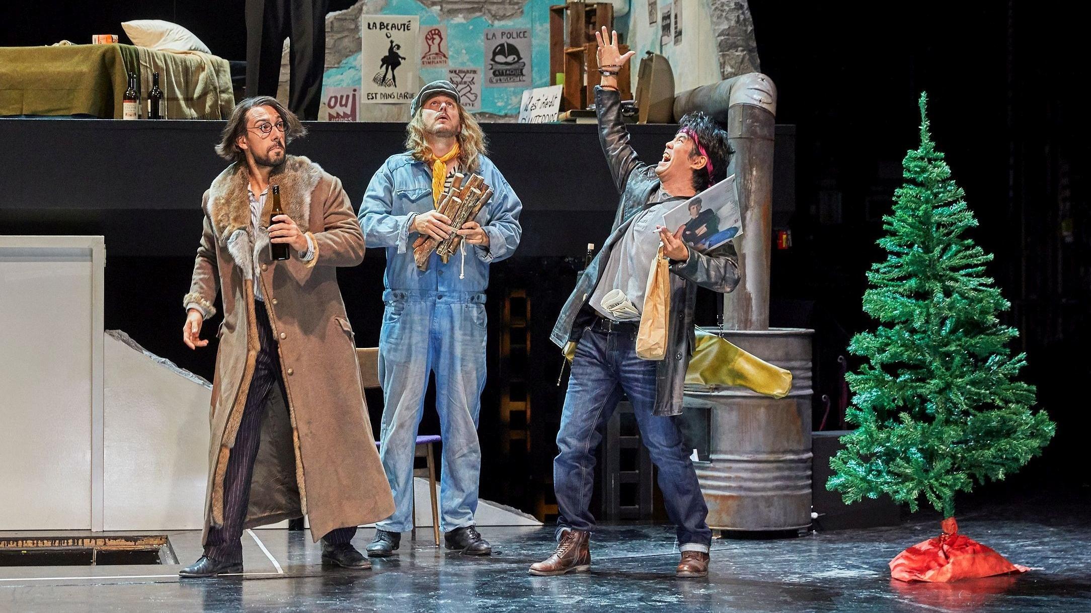 Colline, Marcello und Schaunard blicken in eine ungewisse Zukunft