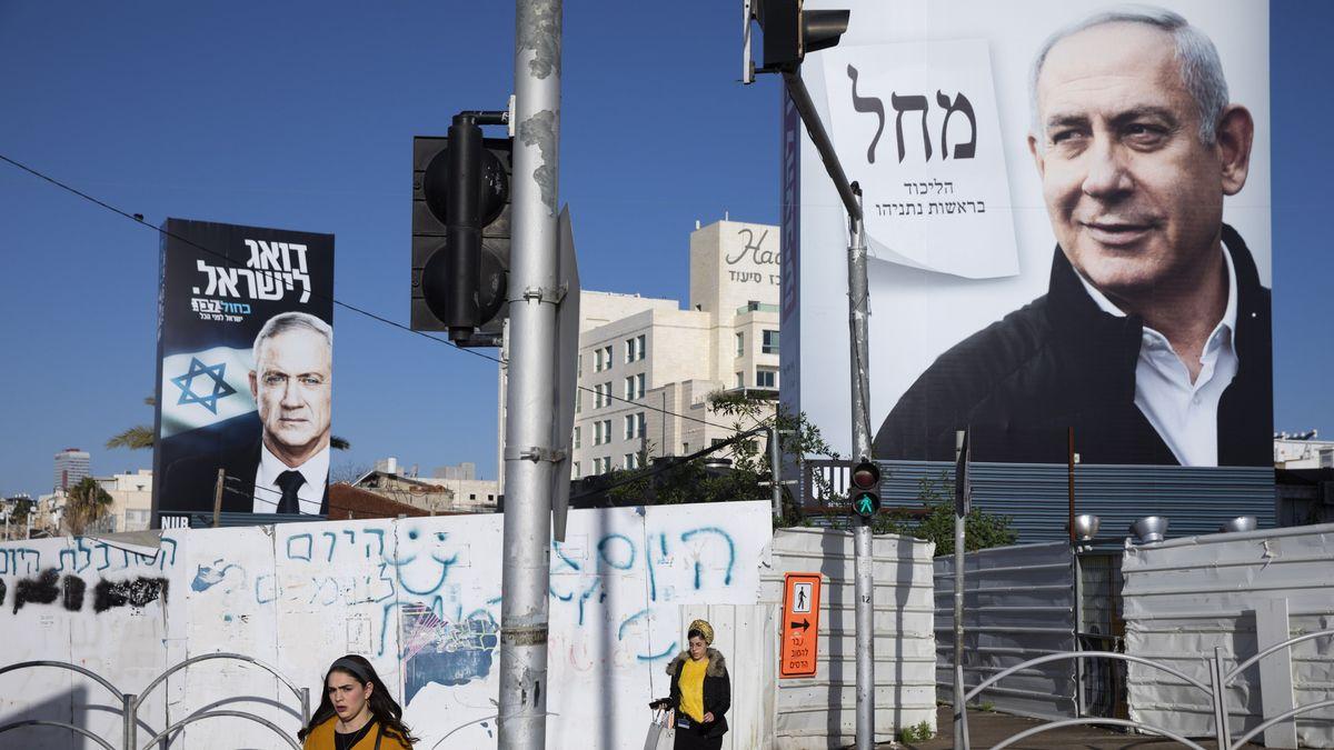 Wahlplakate mit Gantz und Netanjahu