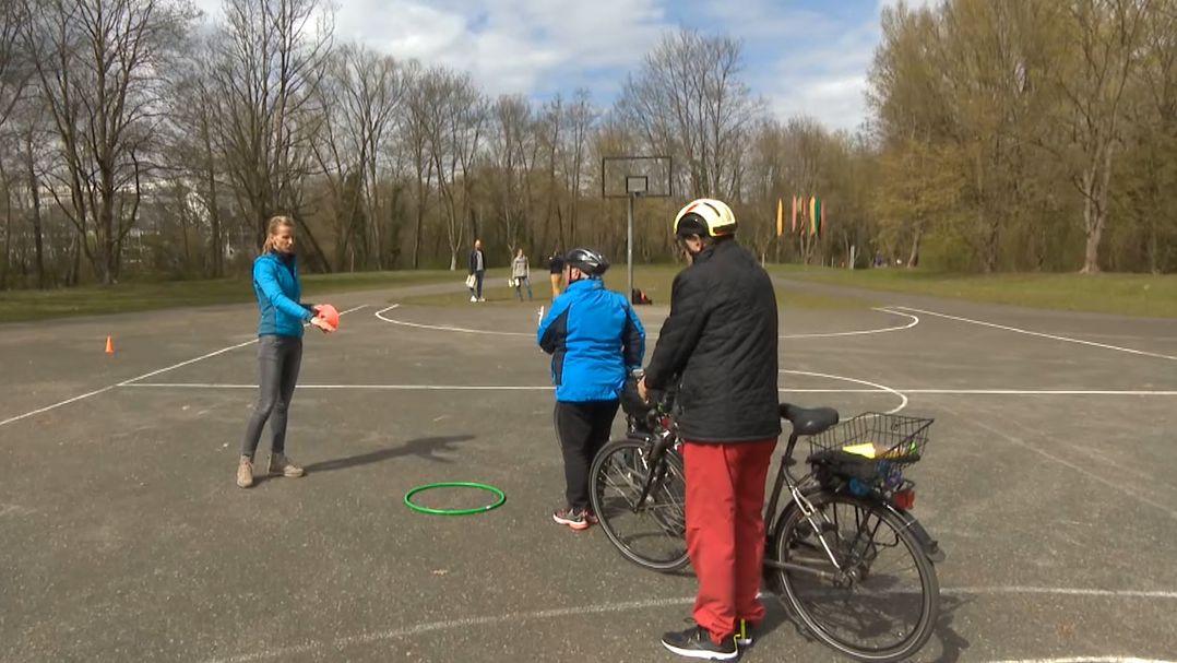Eine Studie der Uni Erlangen-Nürnberg soll herausfinden, wie das Fahrradfahren für Senioren sicherer gemacht werden kann.
