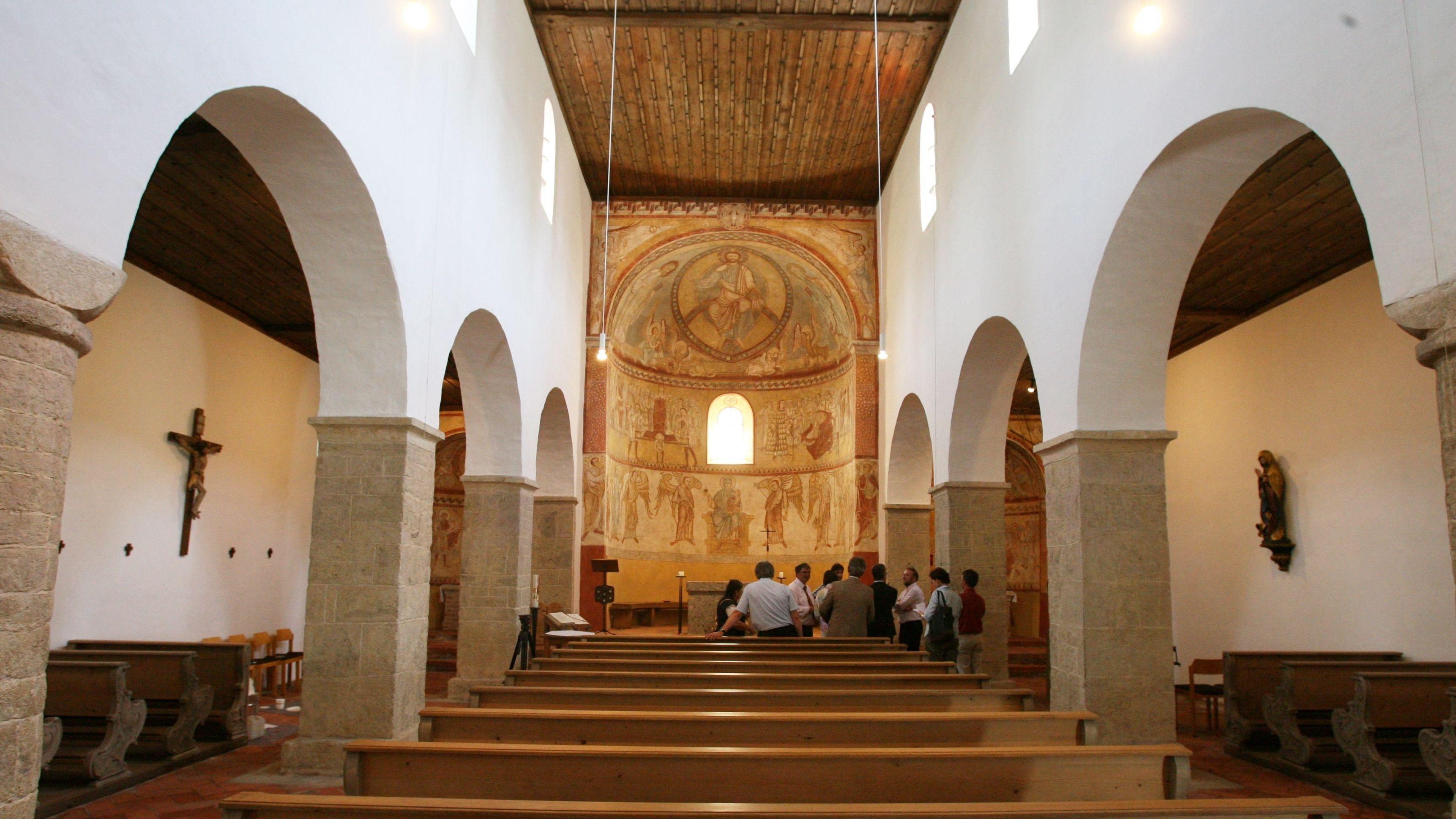 In der Basilika auf dem Petersberg