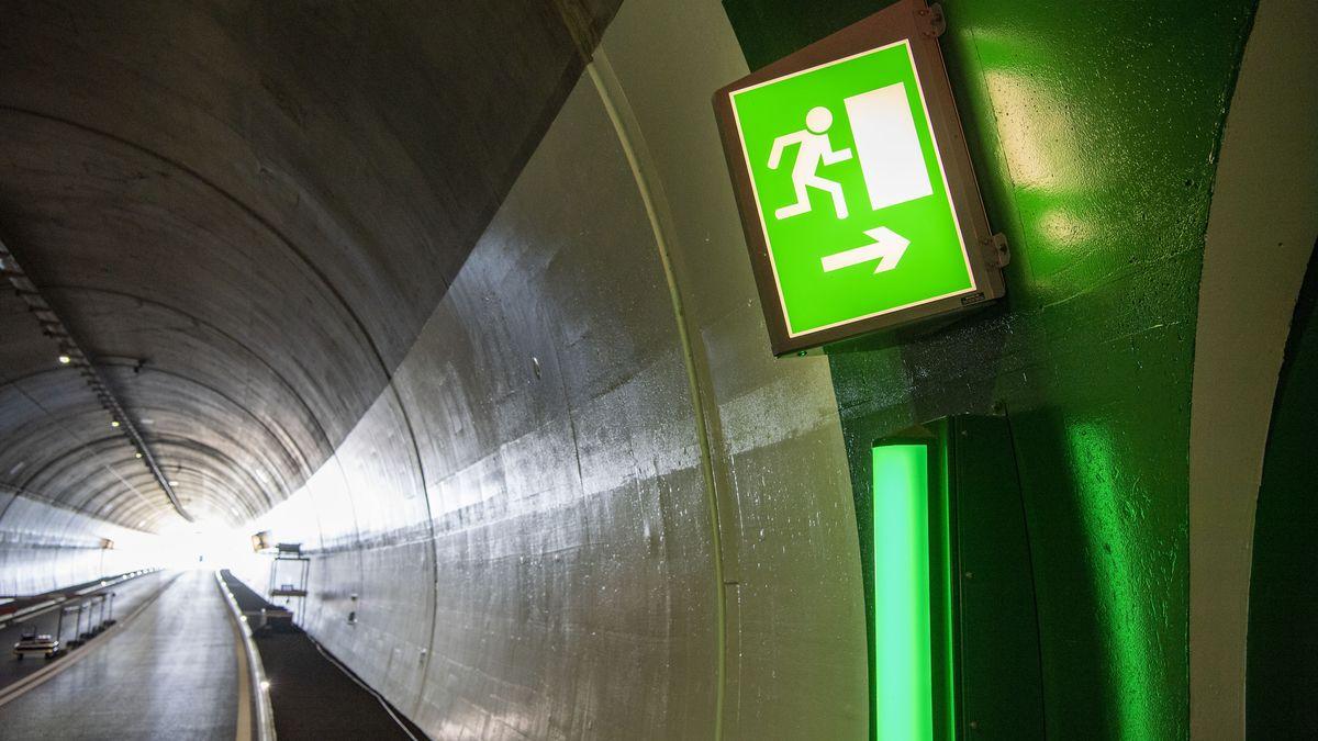 Ein Notausgang in einem Tunnel in Küssnacht am Rigi.