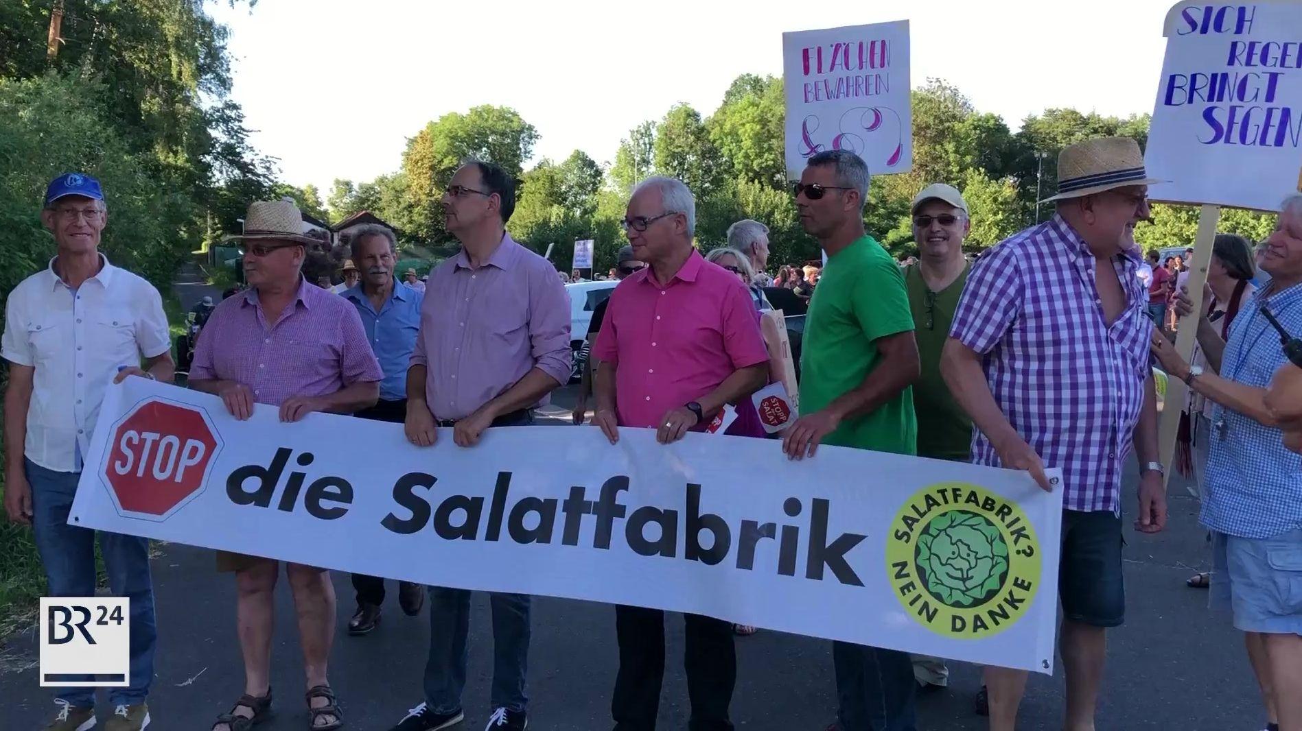 Protest gegen die geplante Salatfabrik