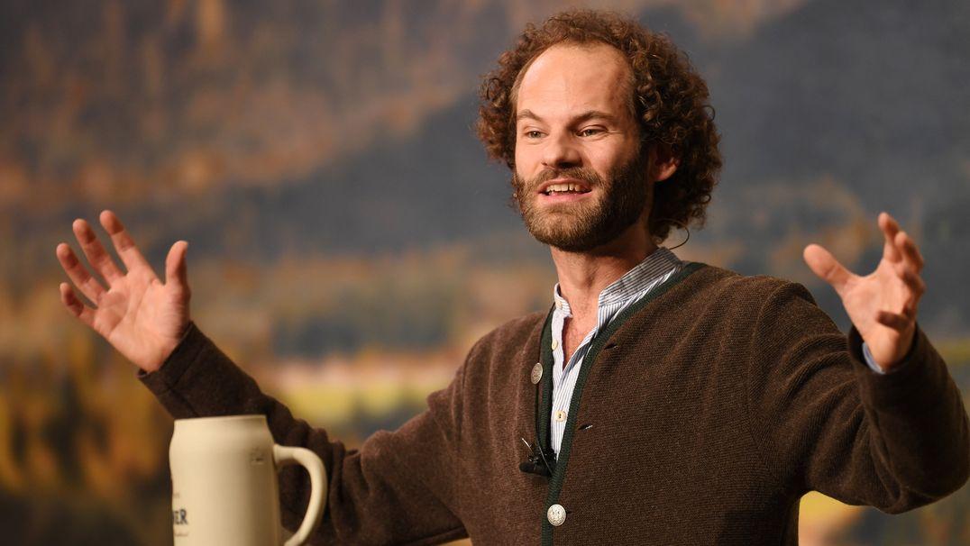 Maximilian Schafroth, Schauspieler und Kabarettist, hält beim Starkbieranstich auf dem Nockherberg 2019 die Fastenpredigt.