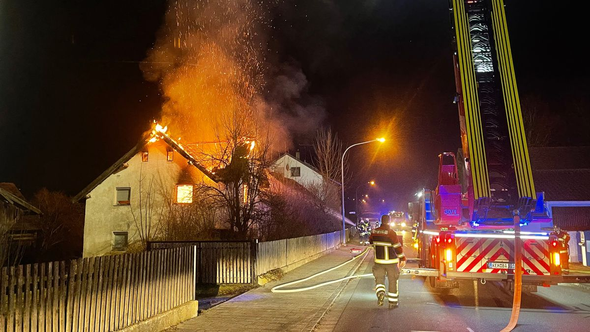 Brennendes Haus in Pentling