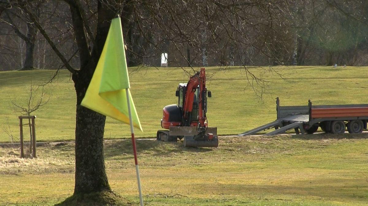 Auf dem Gelände des Bernhard-Langer-Golfclubs GC Augsburg in Burgwalden wird nun doch kein Flutlicht aufgestellt.