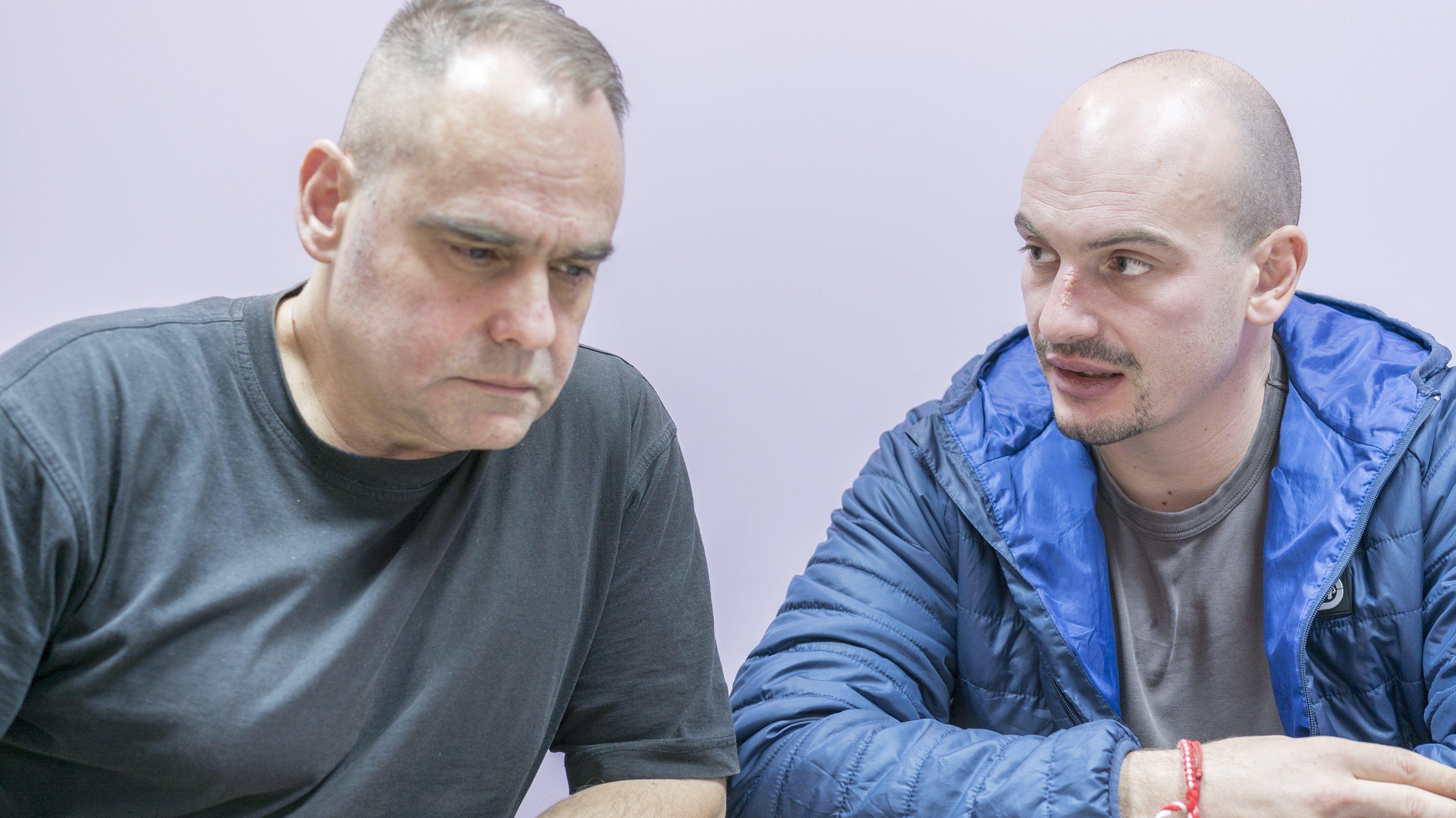 Reporter Dimitar Stoyanov (re.) und Assen Yordanov, (li.) Herausgeber und Chefredakteur des investigativen Online-Magazins Bivol in Sofia