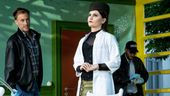 Ärztin empfängt Besuch und Polizei | Bild:Sebastian Hoffmann/Theater an der Rott