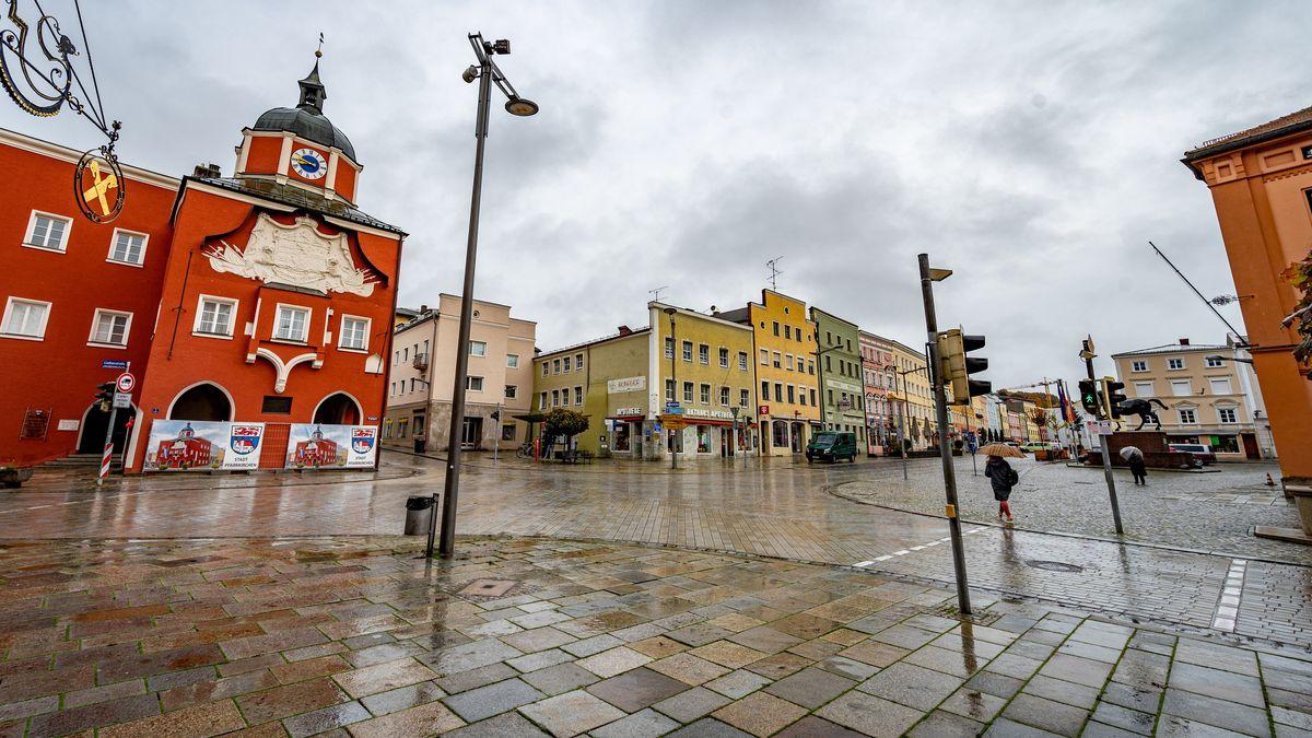 Die leere Innenstadt von Pfarrkirchen, am 27.10.2020.