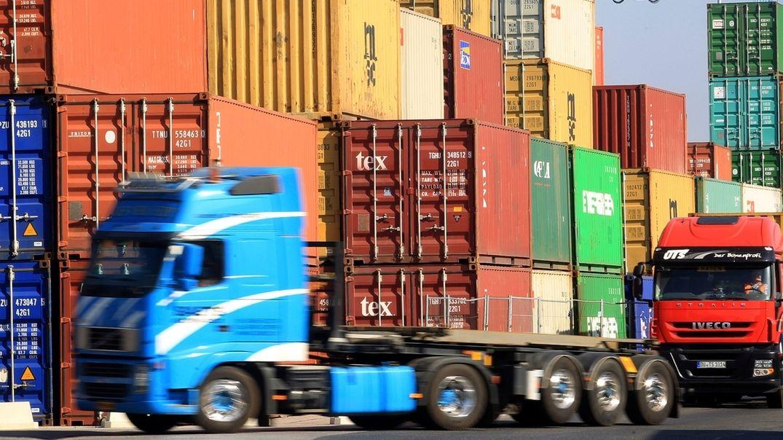 Container und Lastwagen