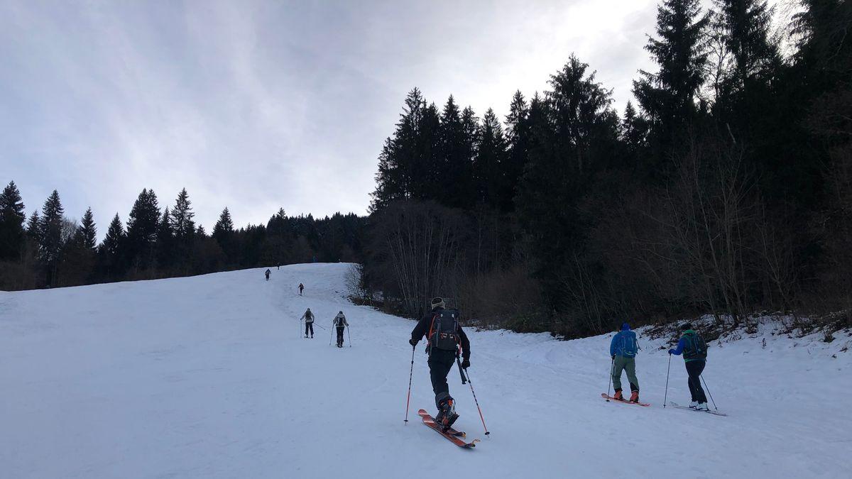 Skitourengeher bei Garmisch-Partenkirchen.