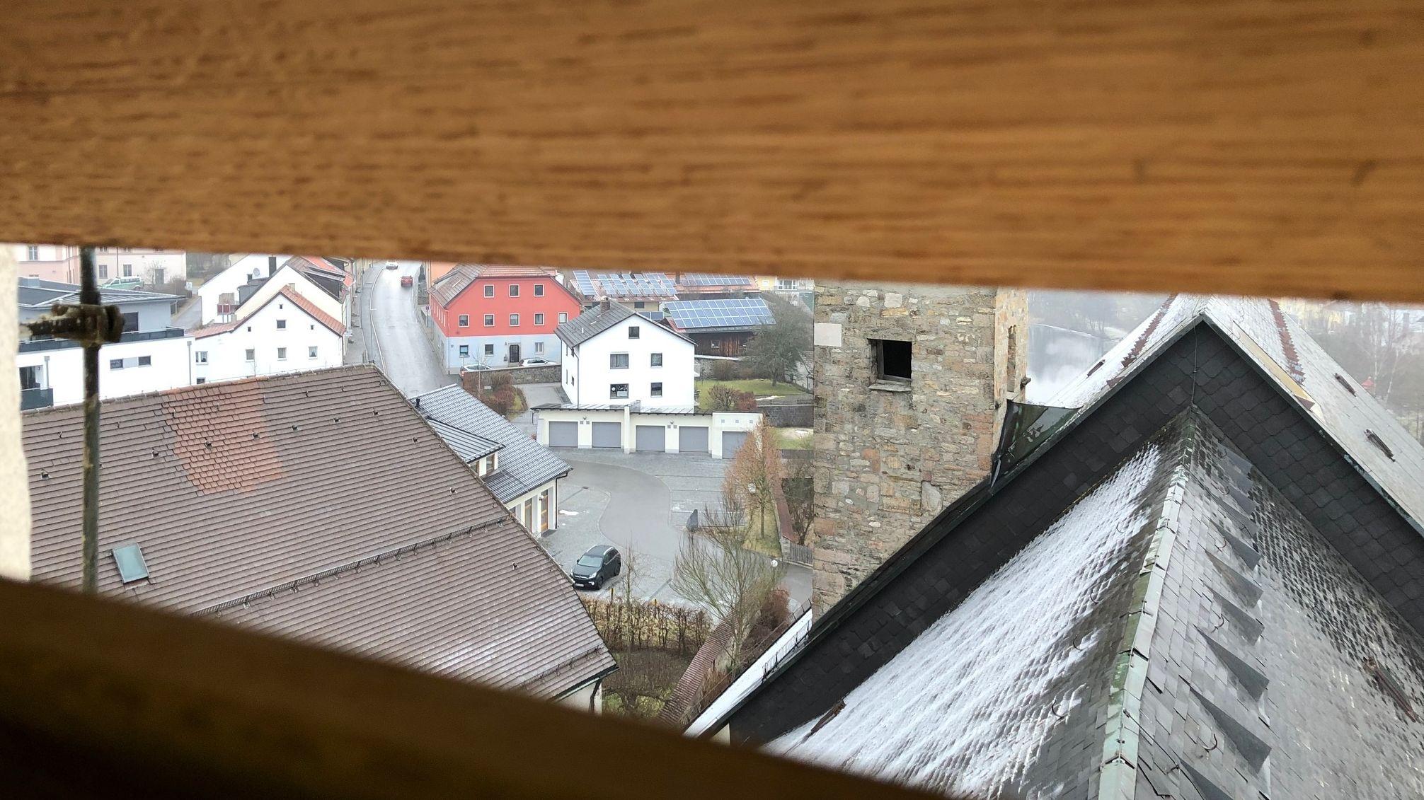 Der Blick aus dem Glockenstuhl auf Regen