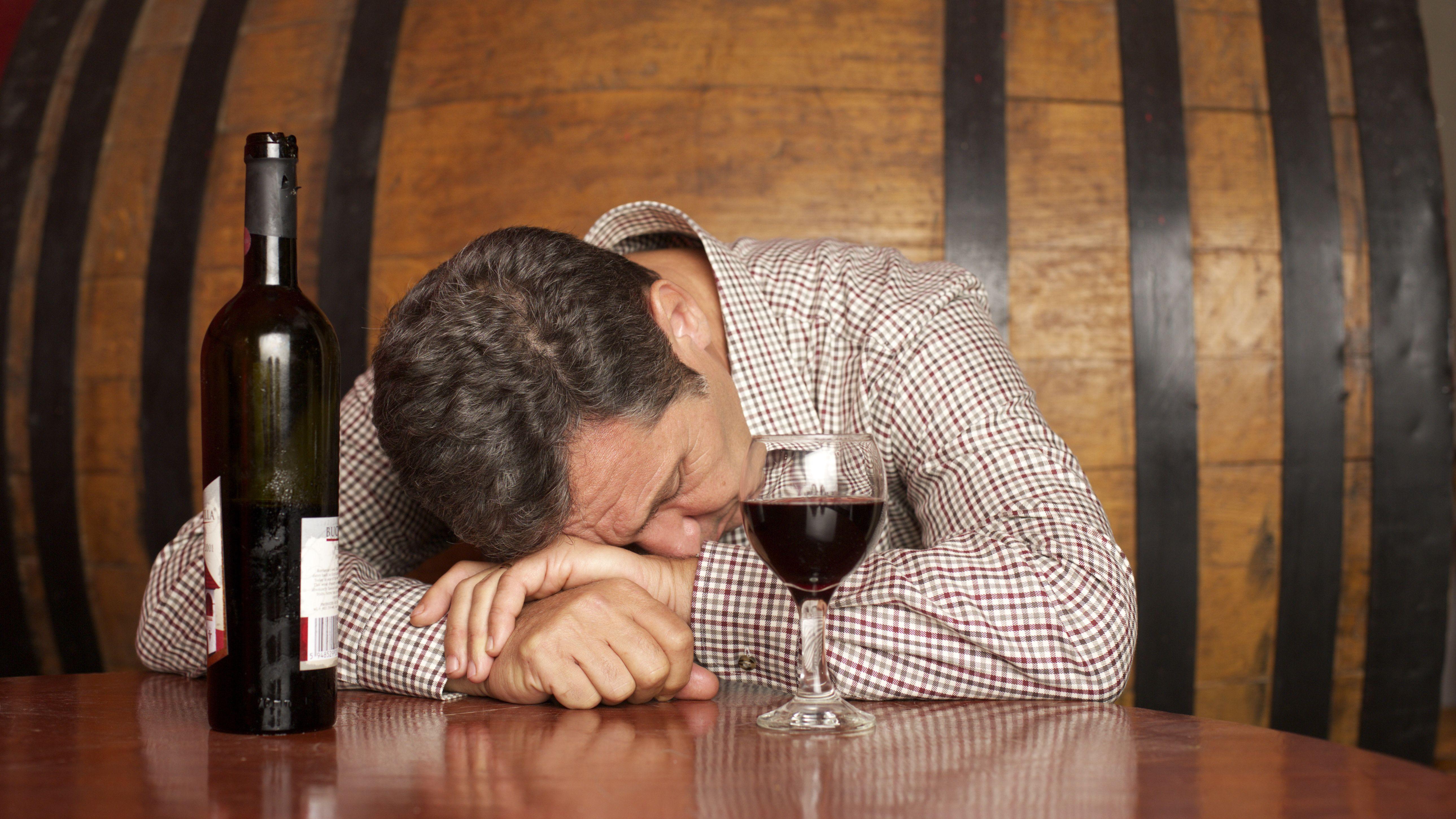 Alkohol hilft, trinken nicht: Fake News in Zeiten von Corona
