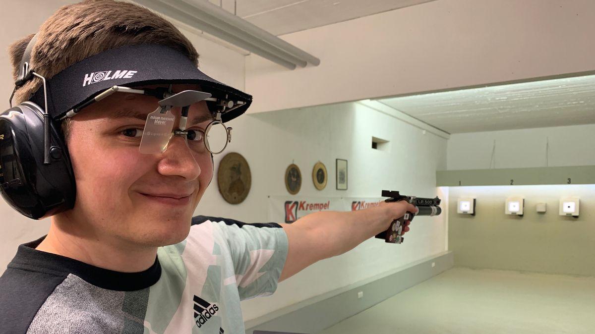 Sportschütze Tobias Meyer aus Rimpar fliegt zu den Paralympics