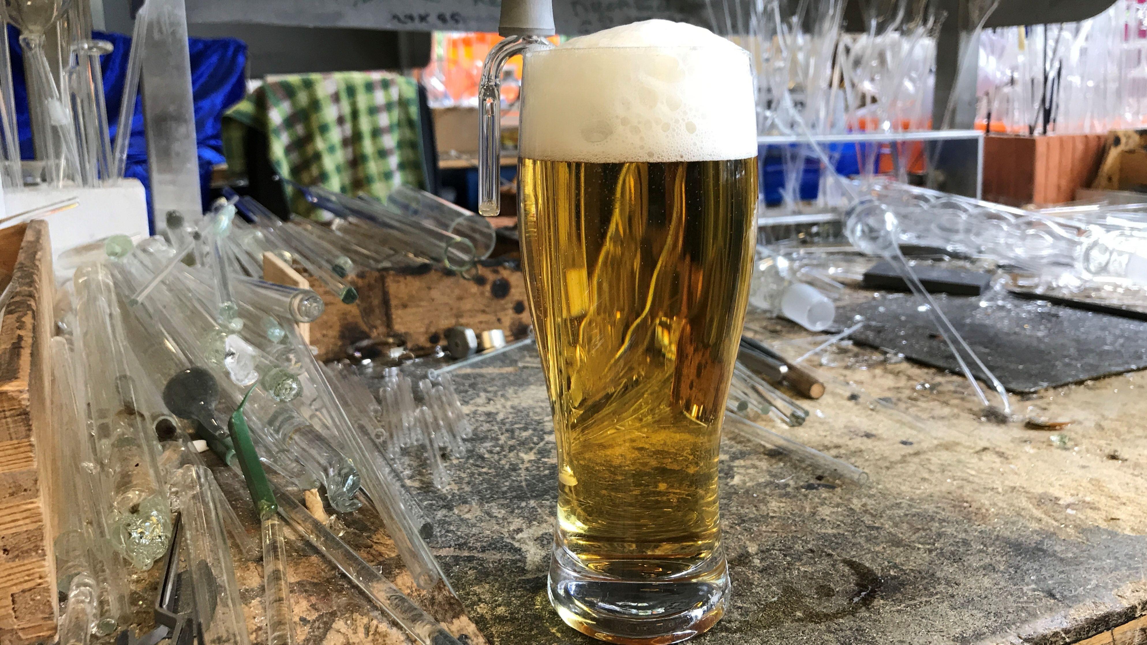 Die erste bayerische Bierschaumpumpe im Einsatz.
