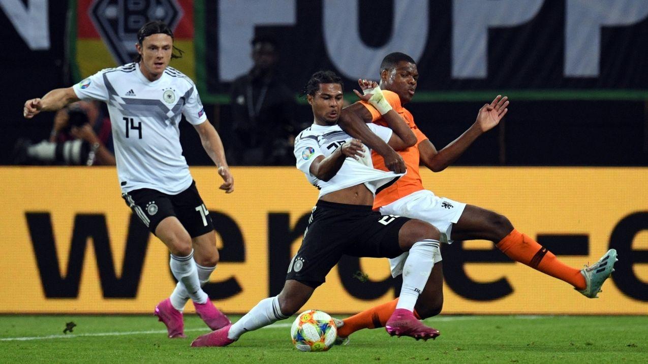 Spielszene aus der Partie Deutschland gegen die Niederlande