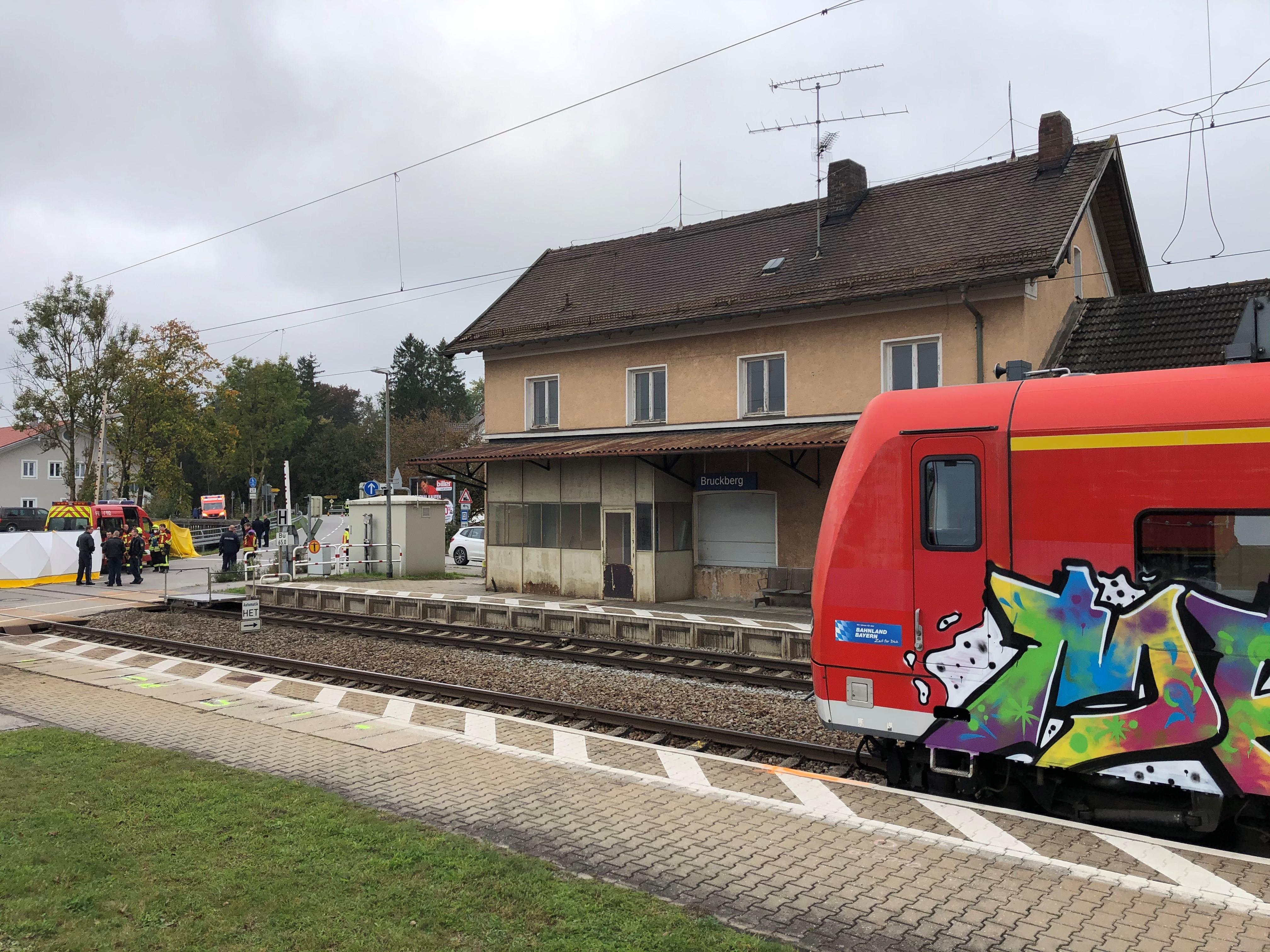 Bayern: Zwei Schüler von Regionalzug erfasst und tödlich verletzt