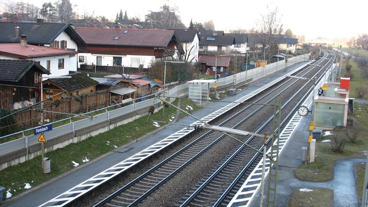 Bahnstrecke durch Flintsbach am Inn