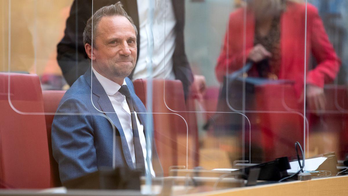 Bayerischer Umweltminister Thorsten Glauber im Landtag