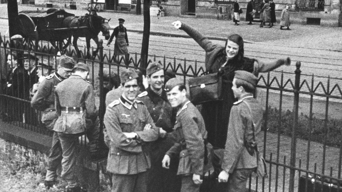 """Das bekannteste Foto der Mitglieder der """"Weißen Rose"""" (23. Juli 1942)"""