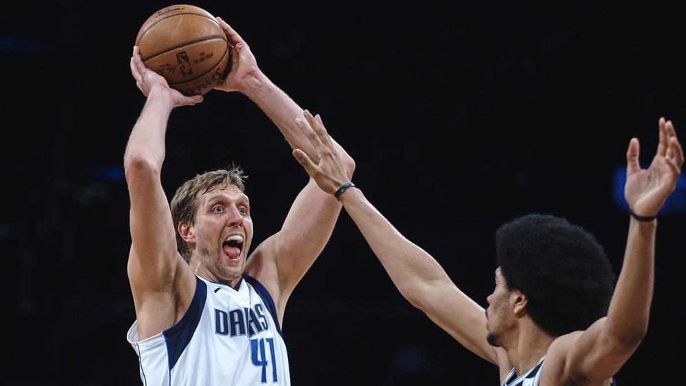 Dirk Nowitzki in einem NBA-Spiel | Bild:picture-alliance/dpa