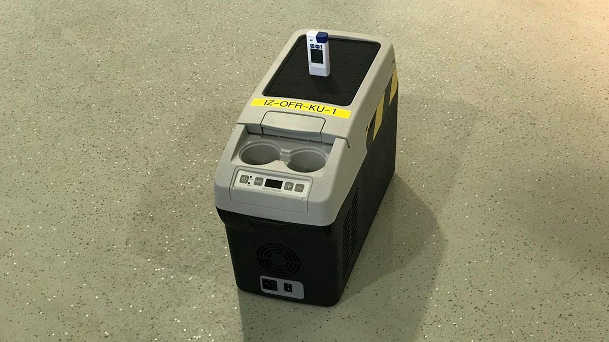 Ein Kühlcontainer für den Corona-Impfstoff.
