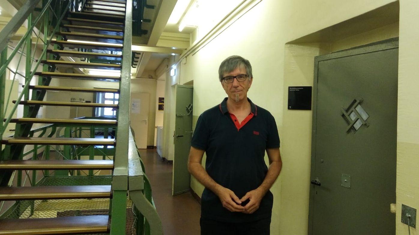 Pfarrrer Friedrich Stiller in der Gestapo-Gedenkstätte in Dortmund