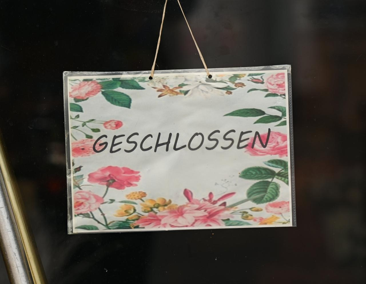 Ein Schild mit dem Hinweis «Geschlossen»