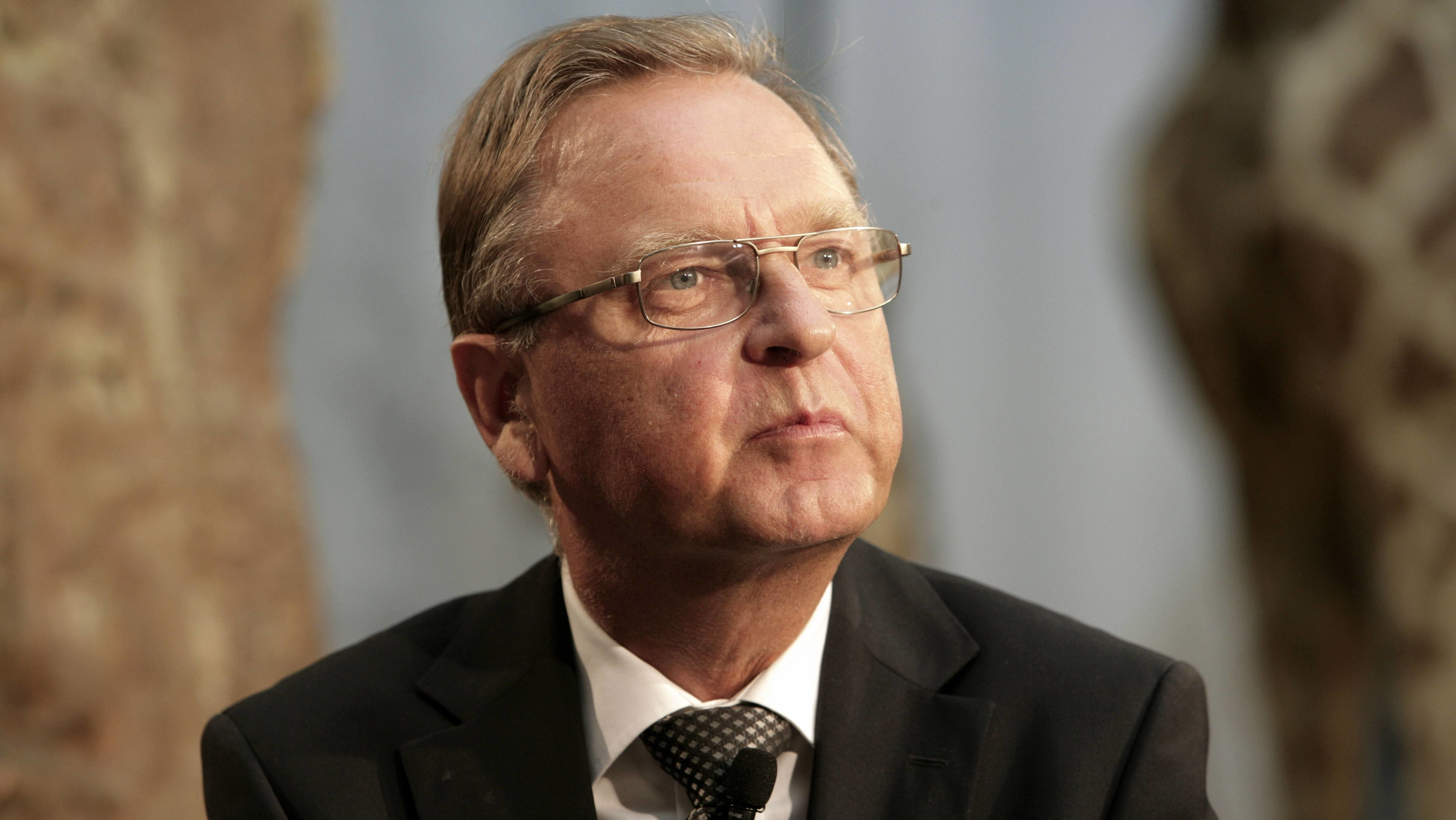 Hans-Jürgen Papier, der ehemalige Präsident des Bundesverfassungsgerichts, blickt in die Ferne.