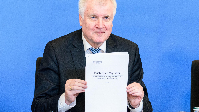 """Innenminister Horst Seehofer am 10. Juli bei der Vorstellung des """"Masterplans Migration"""""""