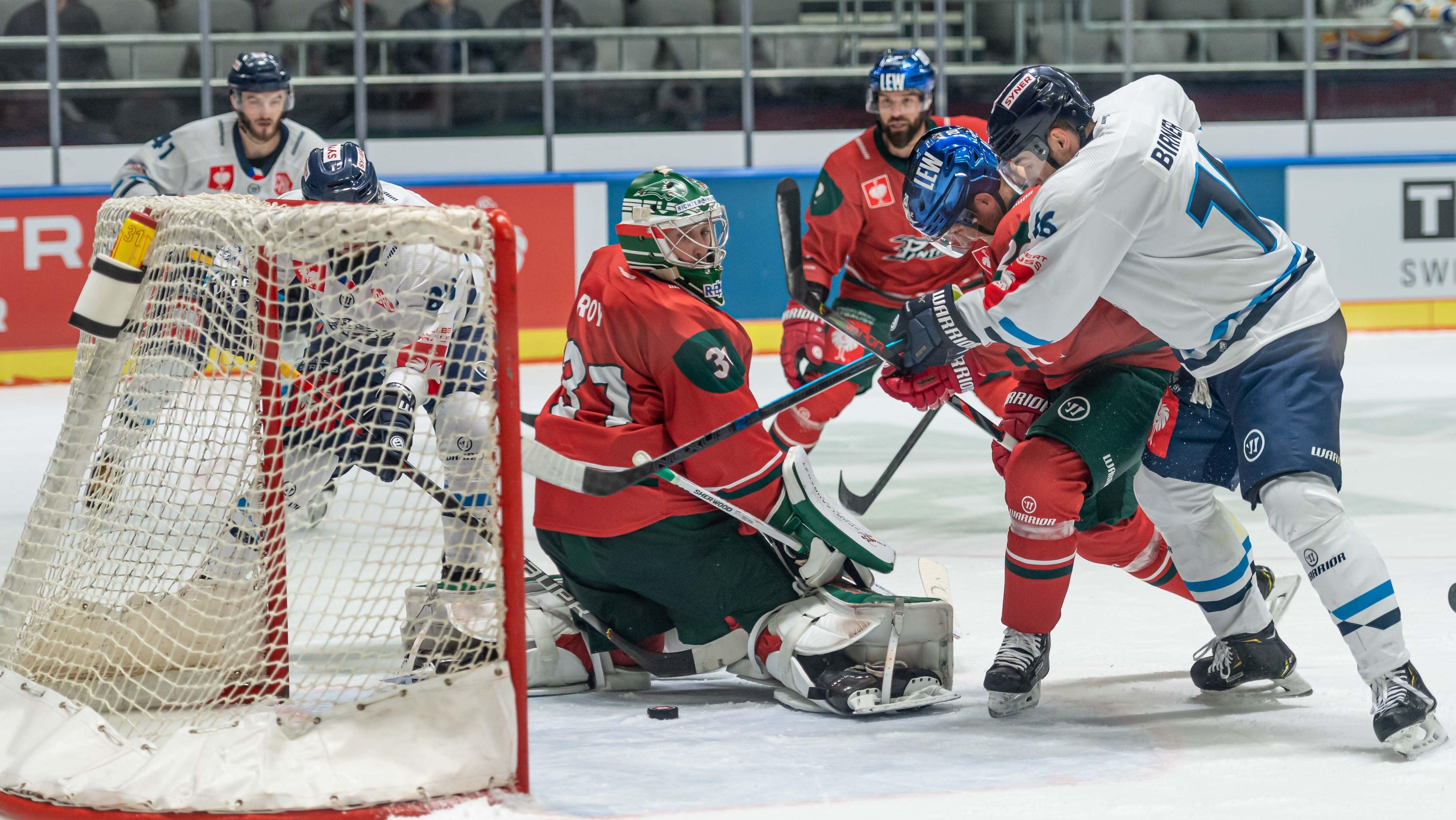 Spielszene Augsburger Panther - Bili Tygri Liberec