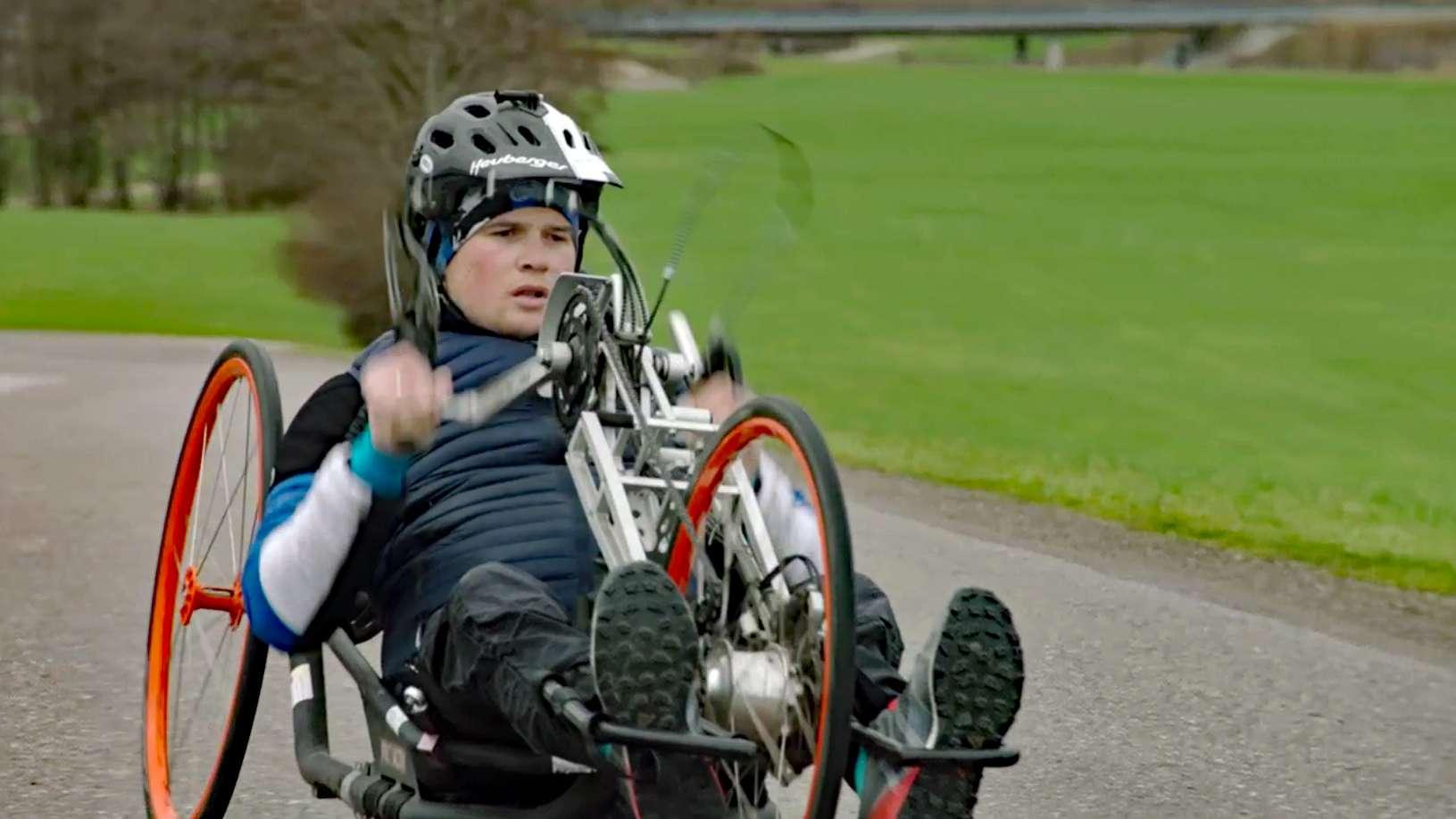 Felix Brunner mit seinem Handbike