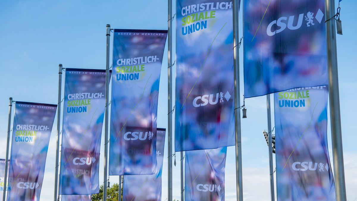 CSU-Fahnen in München (Archivbild vom 18.10.2019)