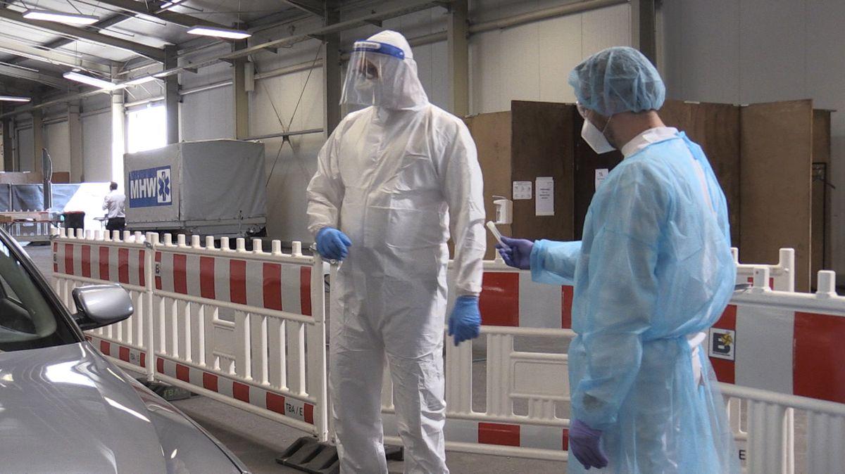 Wieder massive Verzögerung bei Corona-Tests - Kritik an Söder